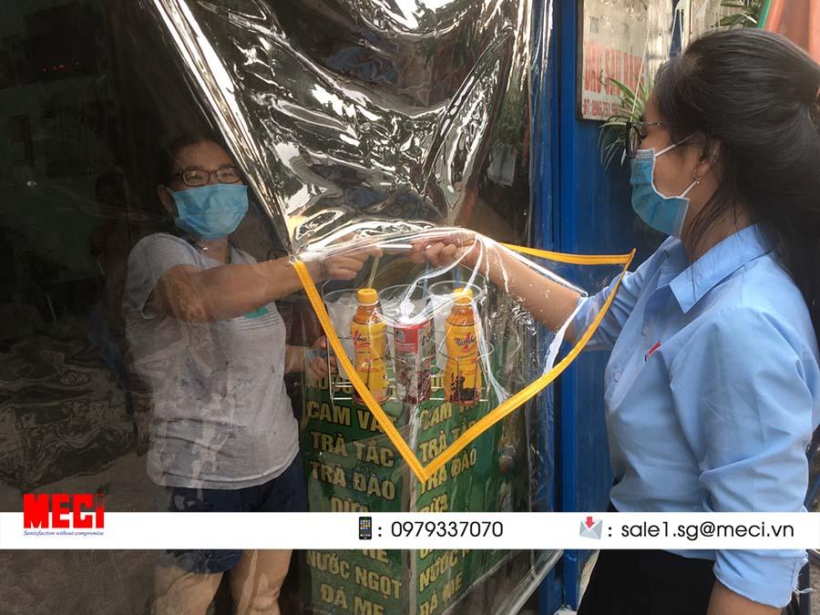 Màn nhựa pvc chắn tạp hóa, tiệm thuốc tây giá hỗ trợ mùa dịch