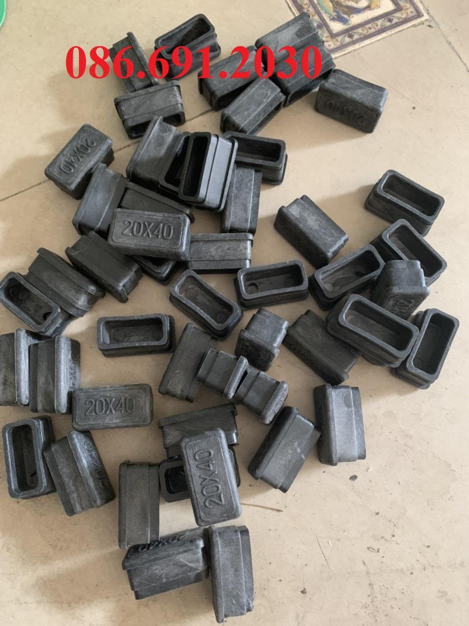 Nút cao su bịt lỗ, nút bịt sắt ống hộp 20x40