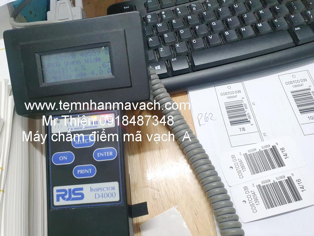 Tem mã vạch in ra có máy chấm điểm kiểm tra chất lượng