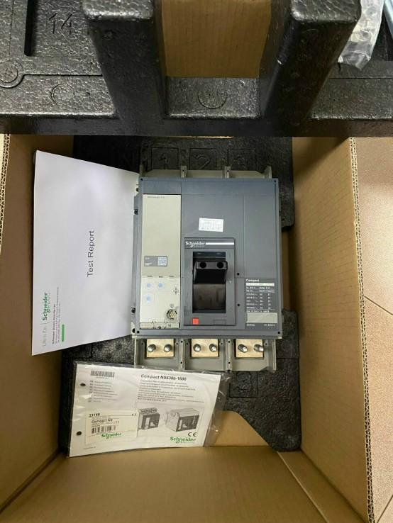 Áp tô mát MCCB 3P 800A 50kA - NS080N3M2 Schneider