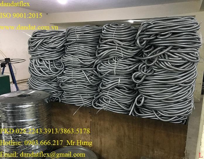 ống thép luồn dây điện bọc nhựa pvc_ giá cạnh tranh